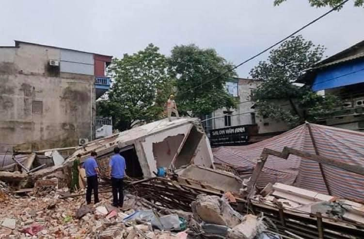 Chủ nhân nhà 3 tầng bị sập ở Lào Cai nhập viện cấp cứu vì shock tâm lý-4