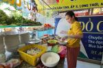 Quán bún riêu miễn phí ở Sài Gòn mời người nghèo đến ăn