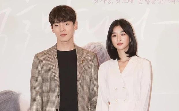 HOT: Seo Ye Ji thừa nhận hẹn hò Kim Jung Hyun, phản bác vụ điều khiển bạn trai xa lánh Seohyun-1