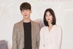 HOT: Seo Ye Ji thừa nhận hẹn hò Kim Jung Hyun, phản bác vụ điều khiển bạn trai xa lánh Seohyun