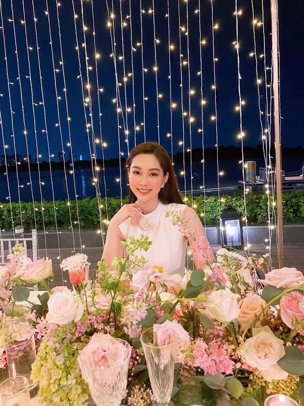 Ekip bóc nhan sắc của Hoa hậu Đặng Thu Thảo qua camera thường-4