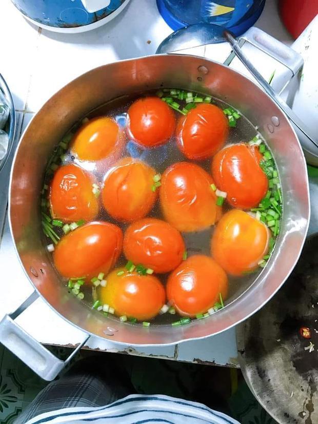 Ra mắt nhà bạn trai, nấu canh cà chua, cô gái khiến dân mạng hốt-1