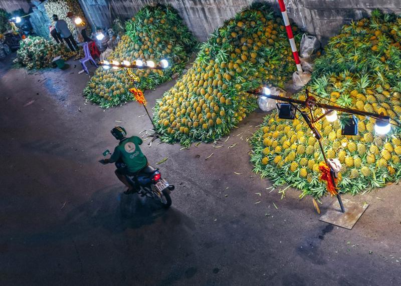 Bộ ảnh: Khám phá Hà Nội về đêm với chợ Long Biên không ngủ-1