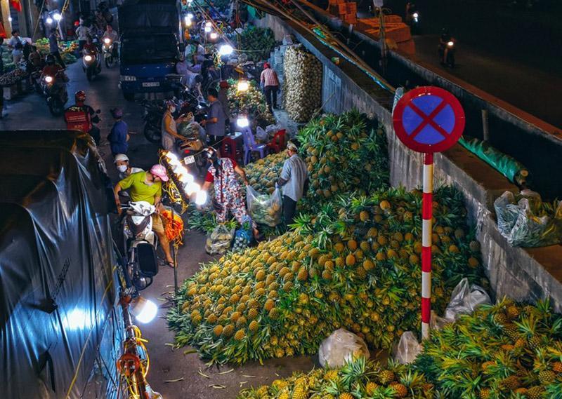 Bộ ảnh: Khám phá Hà Nội về đêm với chợ Long Biên không ngủ-5