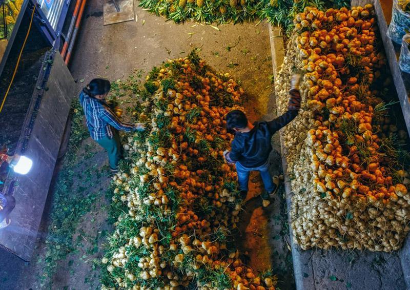 Bộ ảnh: Khám phá Hà Nội về đêm với chợ Long Biên không ngủ-6