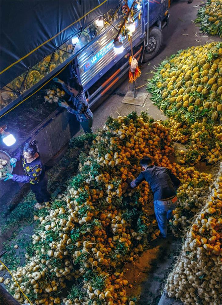 Bộ ảnh: Khám phá Hà Nội về đêm với chợ Long Biên không ngủ-8