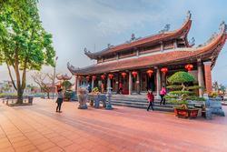 Ngôi đền nằm sát biên giới Việt-Trung