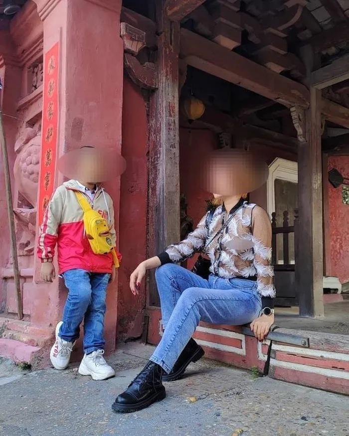 Ăn mặc phản cảm nơi công cộng, bao lần giới trẻ gây bức xúc-11