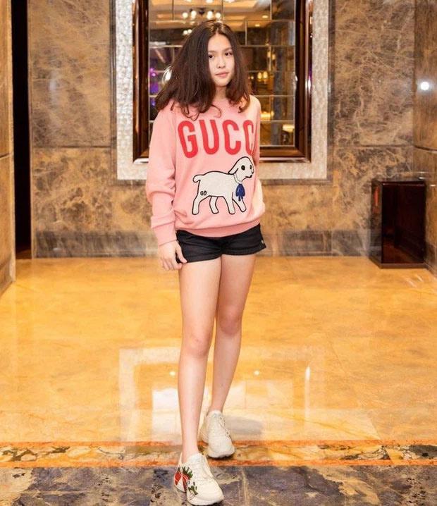 Con gái Phượng Chanel học trường siêu đắt, ngót nghét tỷ rưỡi/năm-6