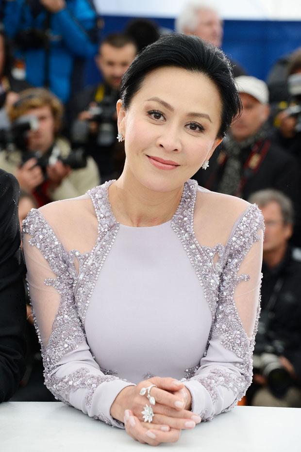Choáng ngợp cuộc sống Lưu Gia Linh: Mặc áo 7 tỷ, mua bình hoa 18 tỷ-6