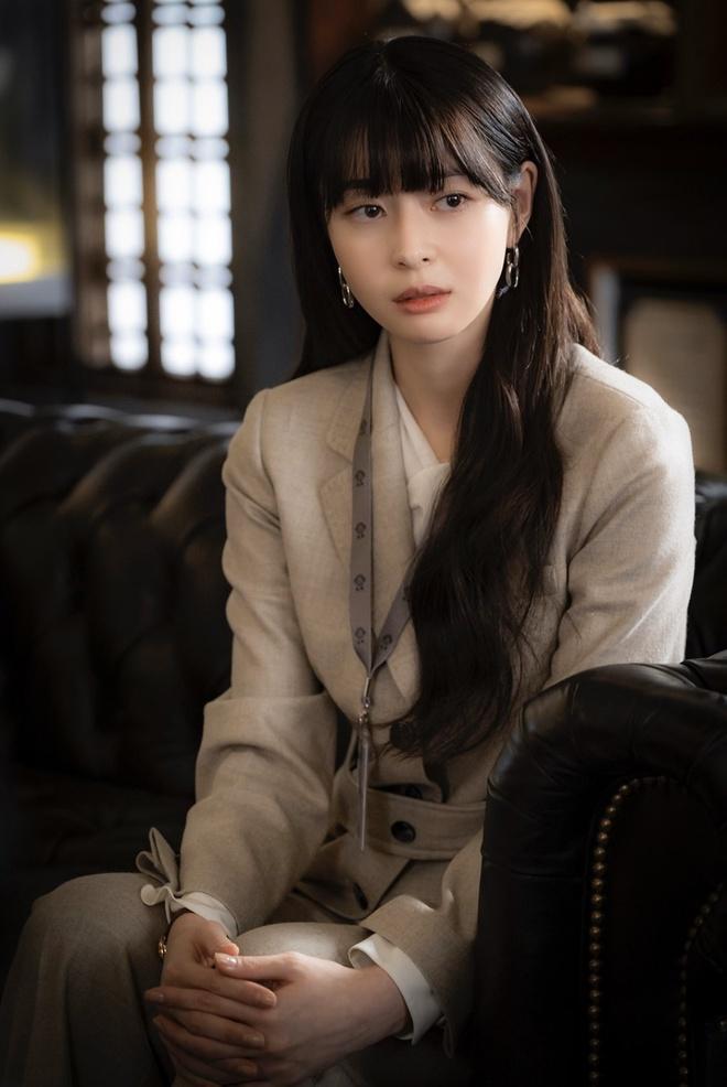 Rộ tin Lee Jong Suk hẹn hò Kwon Nara, tặng bạn gái xế khủng-2