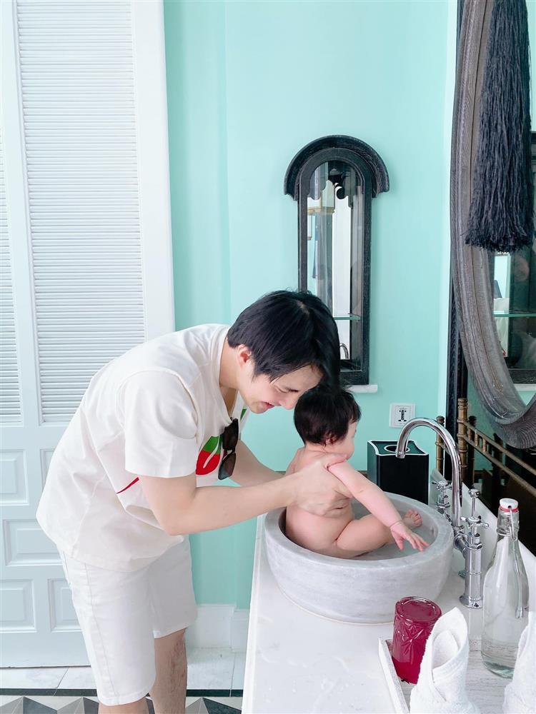 Ông Cao Thắng bị nghi lươn lẹo khi khoe ảnh mẹ vắng nhà-2
