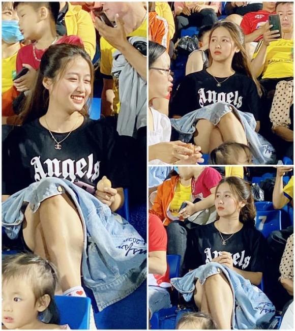 Ngồi trên khán đài xem bóng đá, nữ CĐV khiến dân tình sôi sục tìm info-1