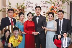 Ảnh hiếm xuất hiện mẹ đẻ và mẹ vợ Xuân Trường - Nhuệ Giang