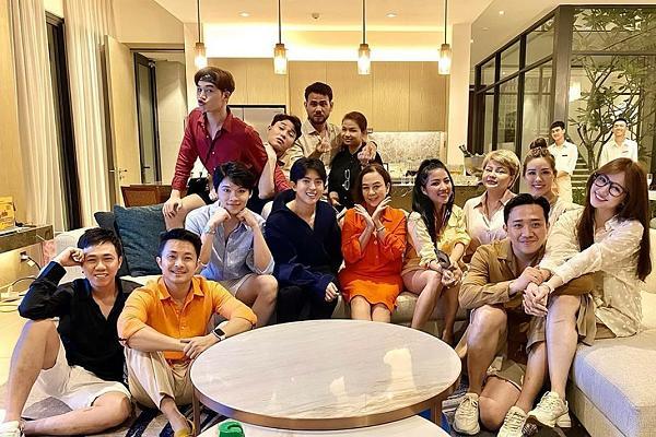 4 hội bạn thân sang chảnh bậc nhất showbiz Việt-6