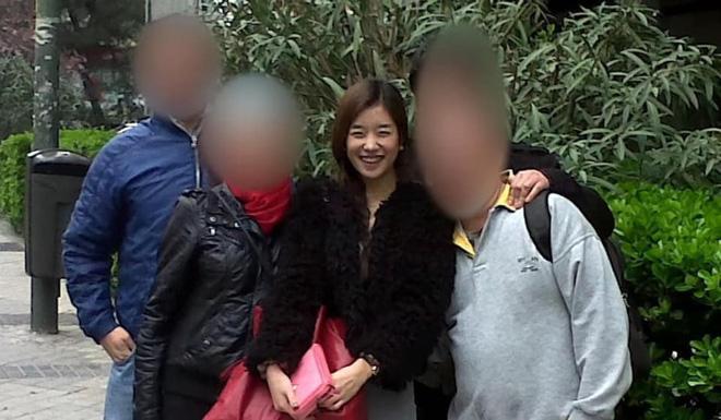 Điên nữ Seo Ye Ji lộ khuyết điểm cười hở lợi, ảnh quá khứ khác xa hiện tại-6