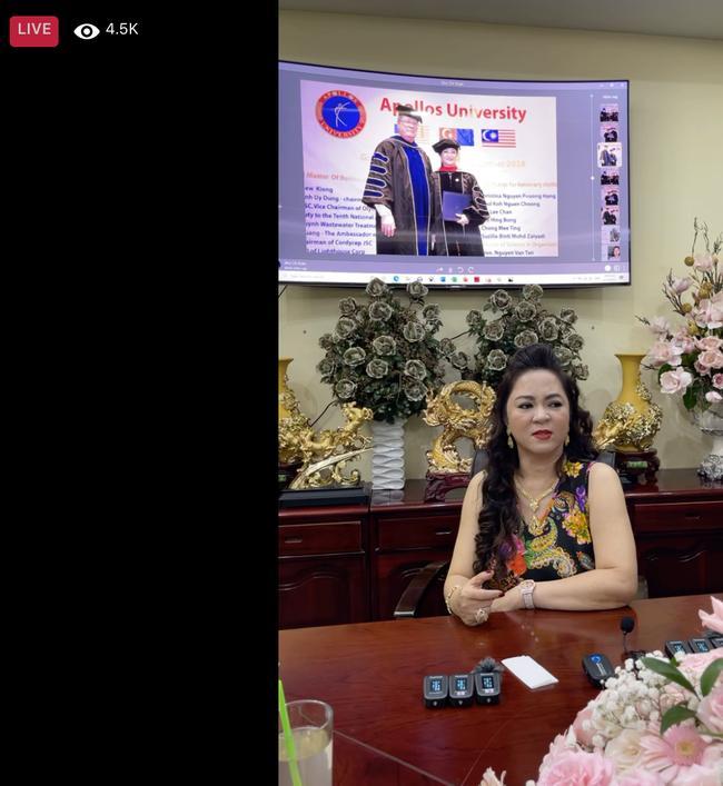Trang Khàn đáp lễ vợ Dũng Lò Vôi: Cháu nghèo cũng đâu xin tiền cô-1