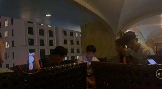 Xuân Trường video call cho nóc nhà, phản ứng của Nhuệ Giang chiếm spotlight-2