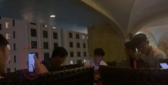 Xuân Trường video call cho nóc nhà, phản ứng của Nhuệ Giang chiếm spotlight-1
