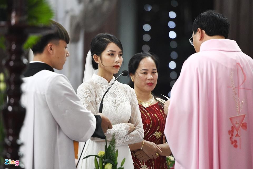 Cô dâu Phan Mạnh Quỳnh diện áo dài trắng, xinh đẹp không góc chết-3