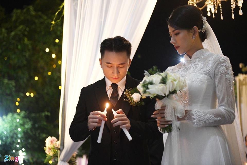 Cô dâu Phan Mạnh Quỳnh diện áo dài trắng, xinh đẹp không góc chết-7