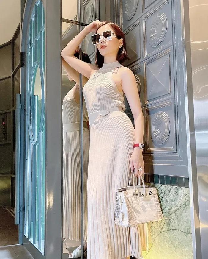 Lệ Quyên diện váy không nội y sánh bước tình trẻ Lâm Bảo Châu-4
