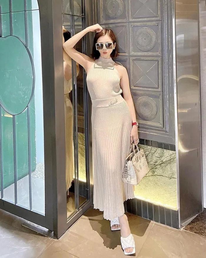 Lệ Quyên diện váy không nội y sánh bước tình trẻ Lâm Bảo Châu-7