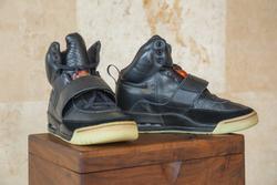 Sneaker đắt nhất thế giới có thể đạt mức 1 triệu USD