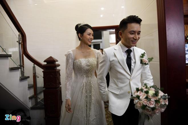 Vợ Phan Mạnh Quỳnh mặc váy cưới 87.5 triệu đồng-2