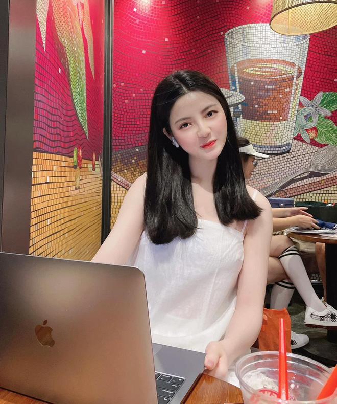 Bị đồn hẹn hò Quang Hải, Chu Thanh Huyền tung clip người trao nhẫn-1