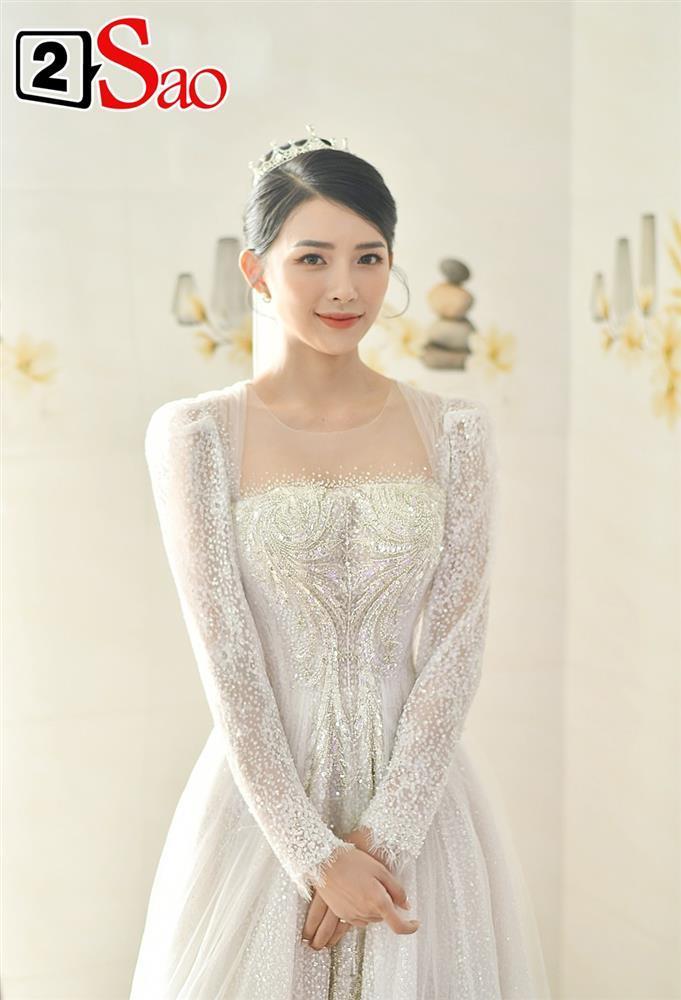 Vợ Phan Mạnh Quỳnh đeo vàng trĩu cổ trong tiệc cưới-3