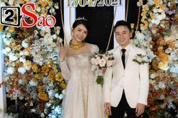 Vợ Phan Mạnh Quỳnh phản ứng ra sao khi chồng lên hát hit 'Vợ người ta' trong đám cưới?