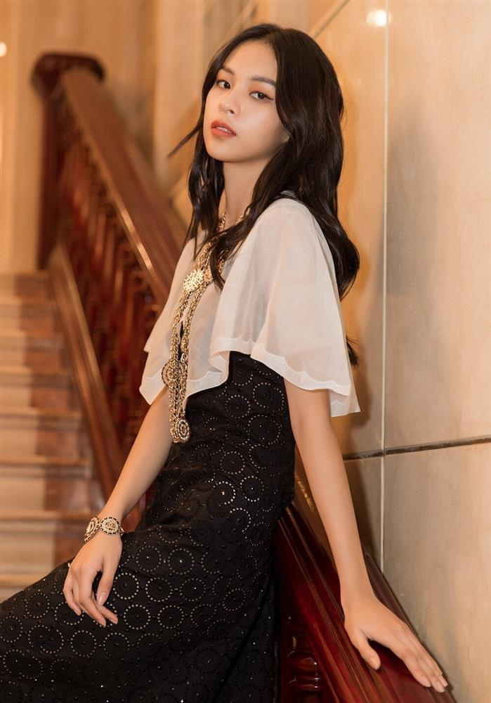 Mới tung ảnh comeback, Phí Phương Anh đã bị tố đạo nhái chị đẹp Penthouse?-7