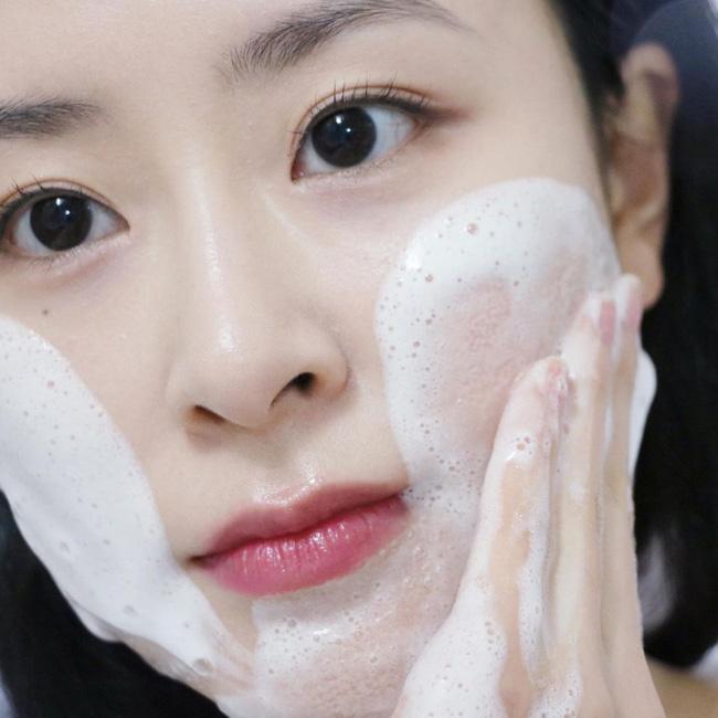 Quy trình skincare tối giản: Chỉ 4 bước mà giúp da đẹp lên chứ không khi nào xấu-1