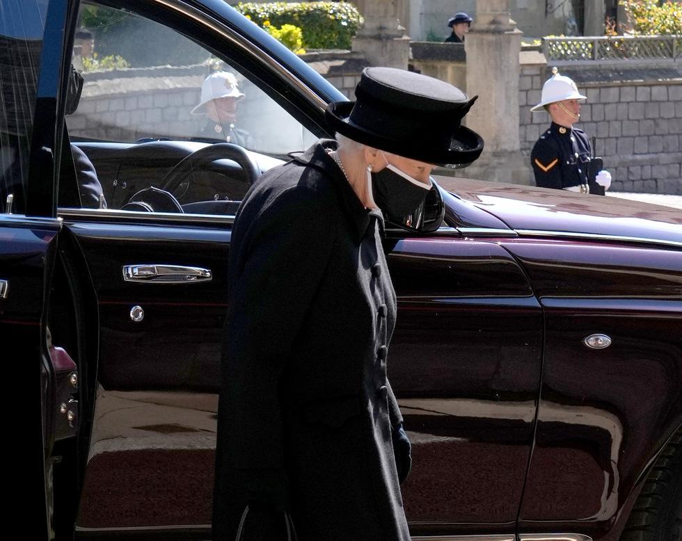 Toàn cảnh đám tang Hoàng thân Philip, phu quân Nữ hoàng Elizabeth II-6
