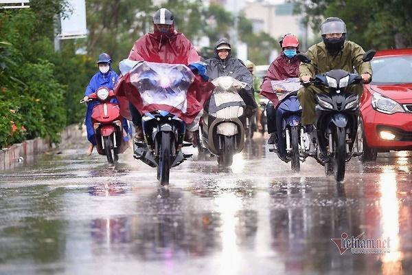 Dự báo thời tiết 18/4: Cả nước mưa giông, nguy cơ lốc, sét-1