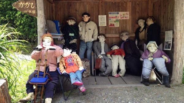 Ngôi làng rùng rợn có tới 300 búp bê hình người, tiết lộ lý do hồi sinh đặc biệt-5
