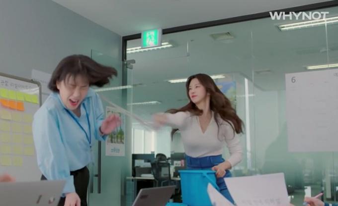 Cười nghiêng ngả với những cú tát bằng thức ăn trong phim Hàn Quốc-8