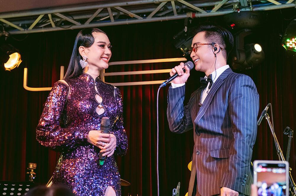 Lâm Khánh Chi khàn giọng do bán online ngày nói 4-5 tiếng-1