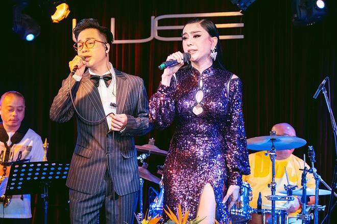 Lâm Khánh Chi khàn giọng do bán online ngày nói 4-5 tiếng-3