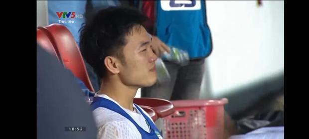 Xuân Trường bật khóc sau chiến thắng HAGL trước Hà Nội FC-1