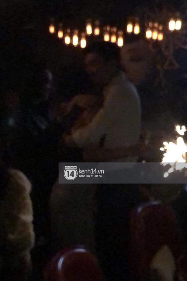 Quốc Trường và Minh Hằng hẹn hò trong tiệc sinh nhật, kéo nhau ra 1 góc ôm hôn-4