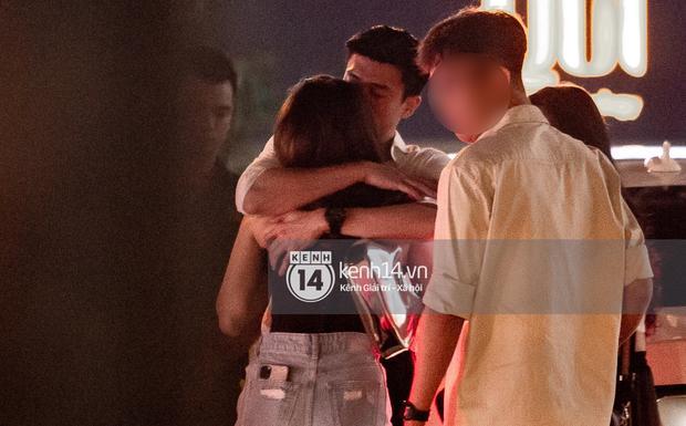 Quốc Trường và Minh Hằng hẹn hò trong tiệc sinh nhật, kéo nhau ra 1 góc ôm hôn-7