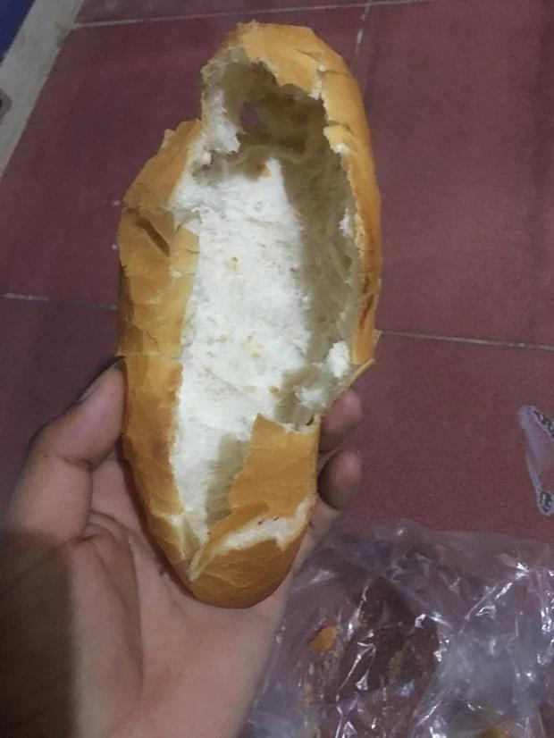 Kiểu ăn bánh mì ngang ngược của người Việt, ai cũng thấy mình trong đó-1