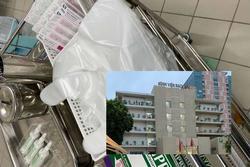 Nhân viên dùng găng ni-lon thay thế găng y tế: Lãnh đạo BV Bạch Mai nói gì?