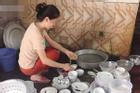 Chuẩn bị rửa bát, cô gái lên nhà uống nước thì nhận những câu xỉa xói từ người yêu