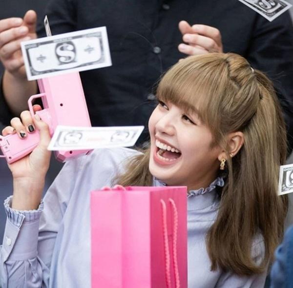 YG lên tiếng chuyện Lisa ra mắt solo, fan nghe xong tự biết nên làm gì luôn!-2