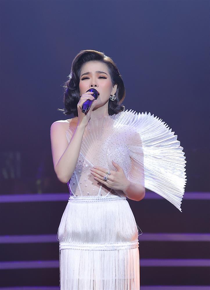 SAO MẶC ĐẸP: Mẹ ba con Hồ Ngọc Hà hóa công chúa chiếm spotlight-1