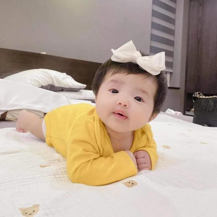Đông Nhi - Ông Cao Thắng không tiếc tay sắm sửa sành điệu cho con gái Winnie-2