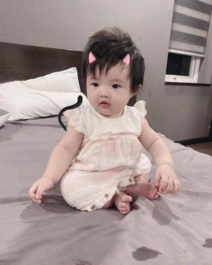 Đông Nhi - Ông Cao Thắng không tiếc tay sắm sửa sành điệu cho con gái Winnie-11